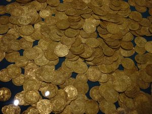 Hoard_of_ancient_gold_coins
